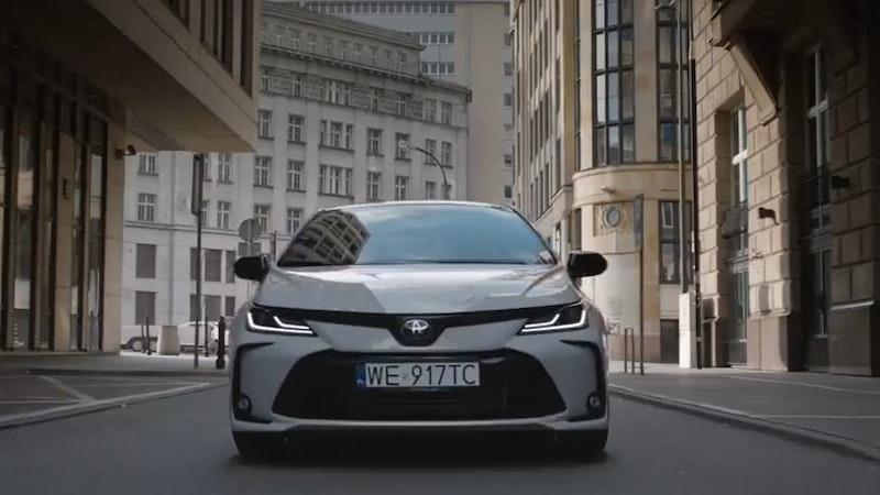 Toyota - Zakochaj Się Na Nowo
